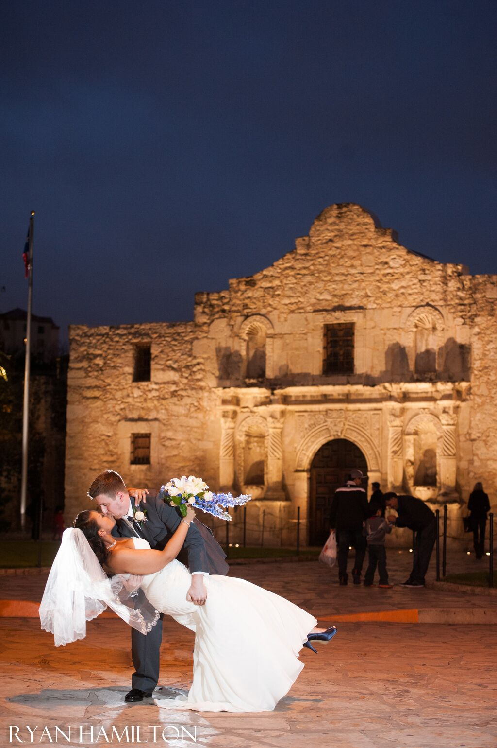 Texas Elopements: Uniting Traditional Values with Modern Convenience