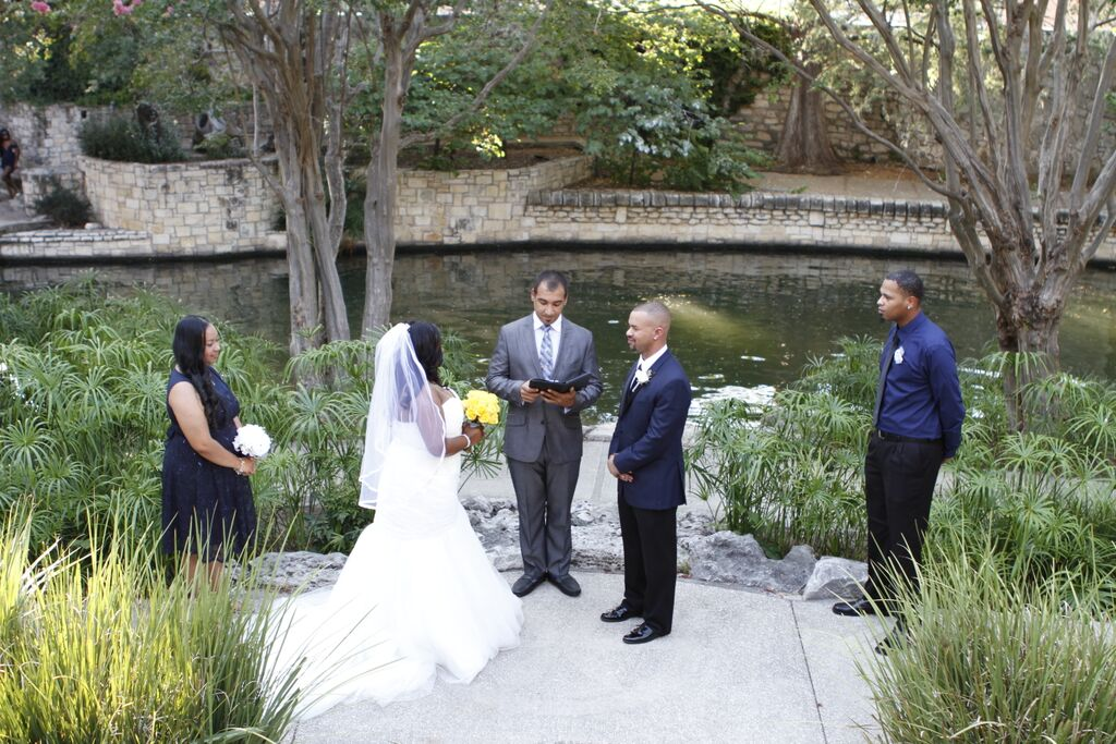 Convent Park On The San Antonio River Walk A Naturally Perfect Place For Your Wedding Ceremony